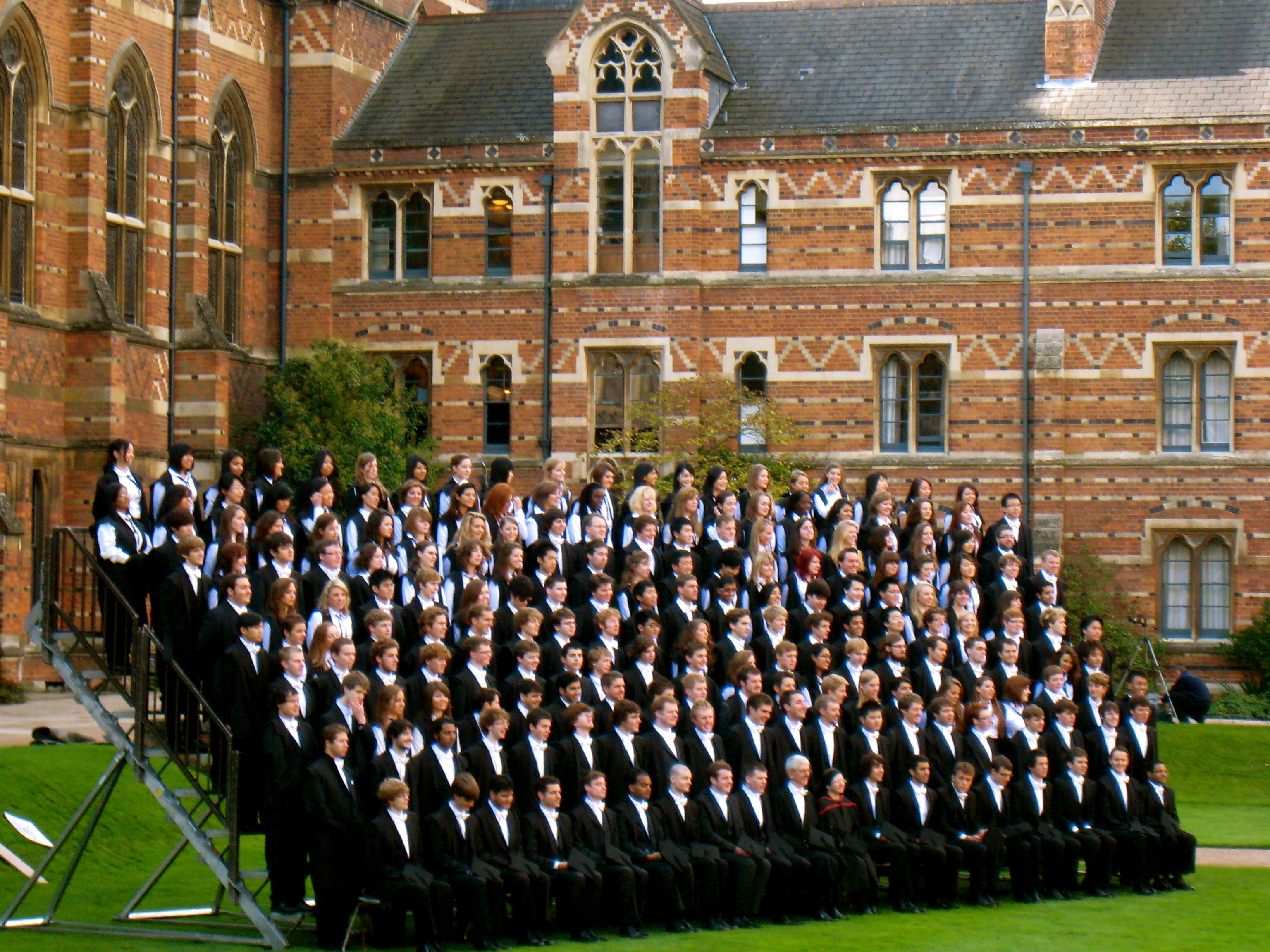 Оксфордский университет фото форма